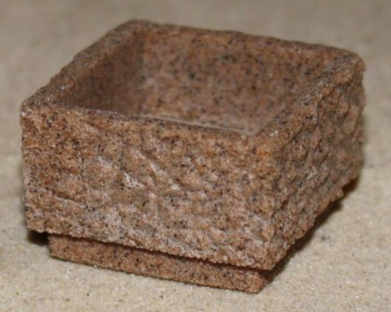 Miniaturbeton - Pflanzkübel - Quadratisch, rot 1:32