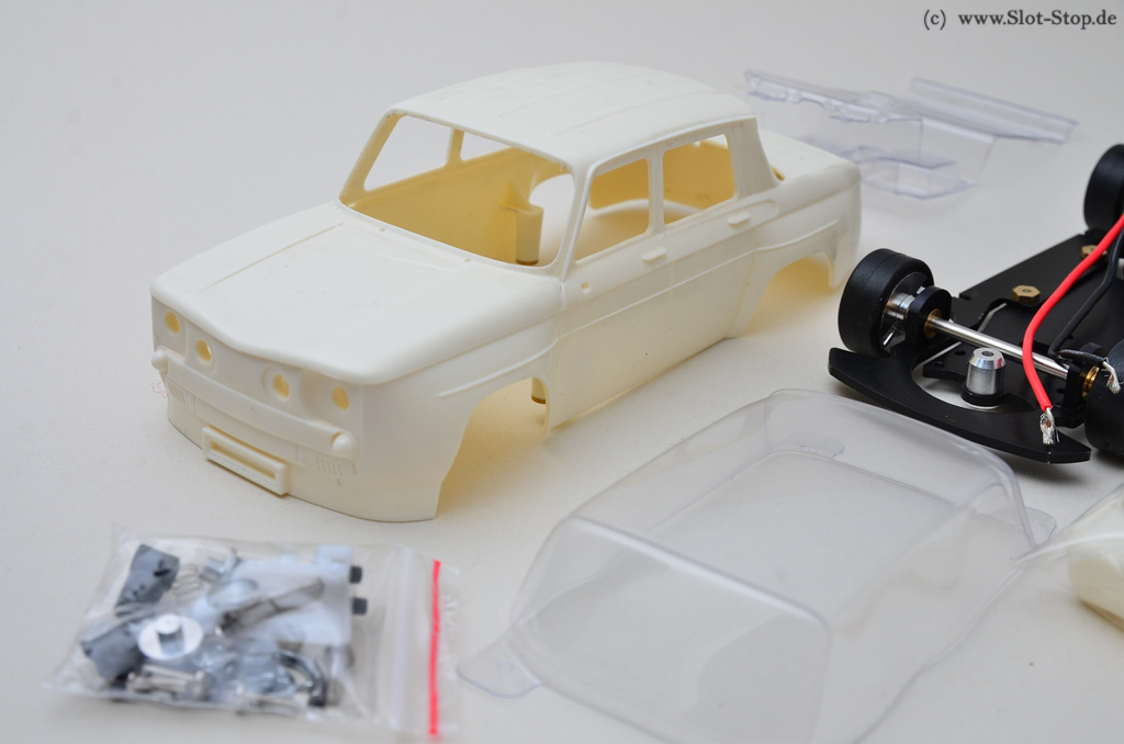 BRM083 1//24 Slotcar R8 Gordini White Kit